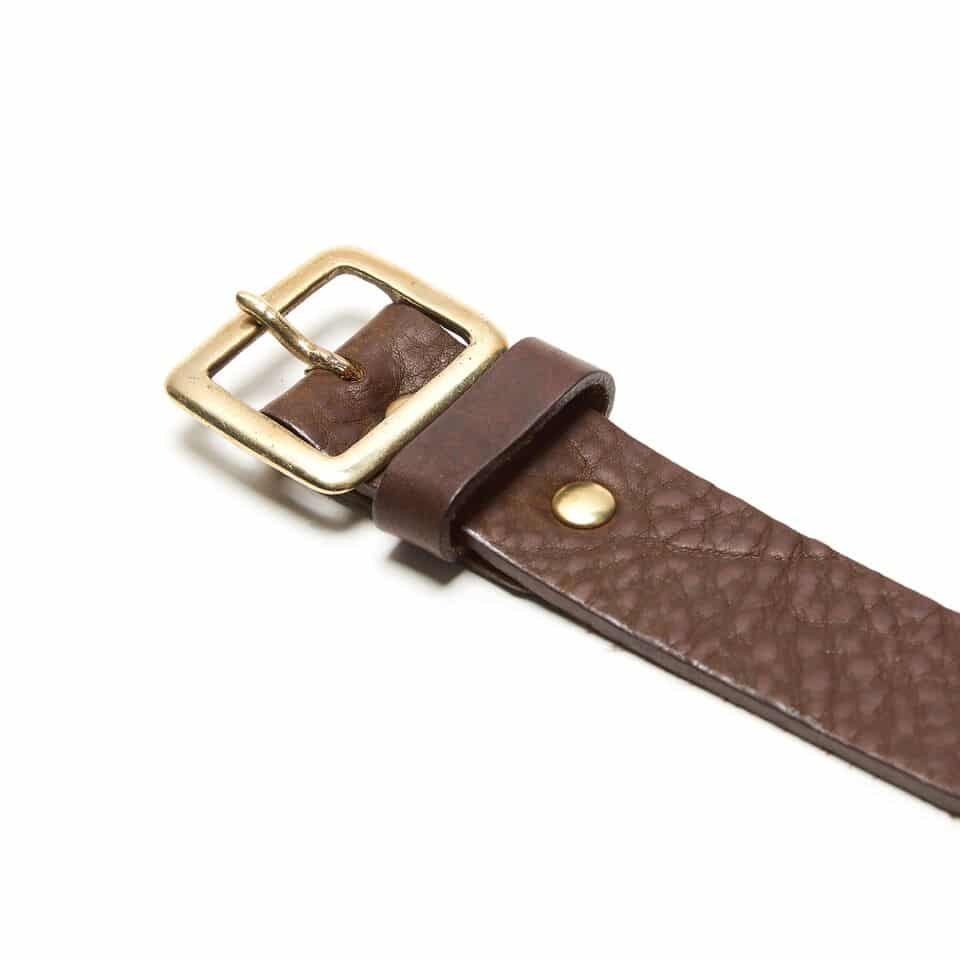 Milo's full grain leather brown jean belt - buckle detail