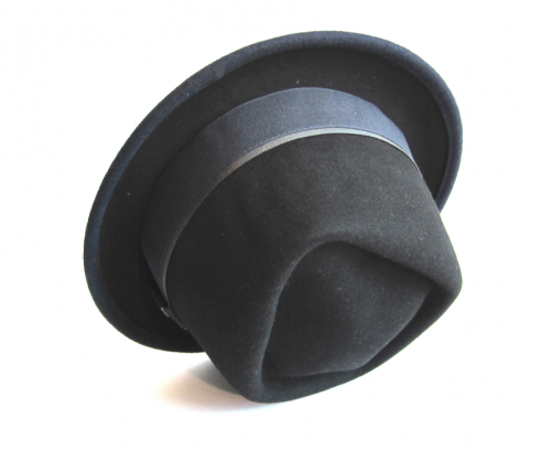Dasmarca Edward porkpie hat in black/navy - side